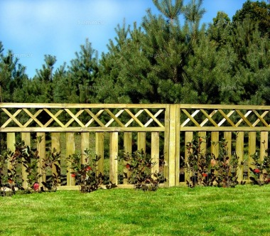 Fence Panel 472 - Planed Timber, 18mm Thick Boards, 2x2 Frame