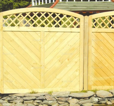 Fence Panel 560 - Planed Timber, 18mm T and G Boards, 4x2 Frame