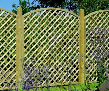 Fence Panel 630 - Planed Timber, 70x70mm Trellis, 2x2 Frame