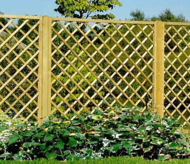 Fence Panel 642 - Planed Timber, 110x110mm Trellis, 2x2 Frame